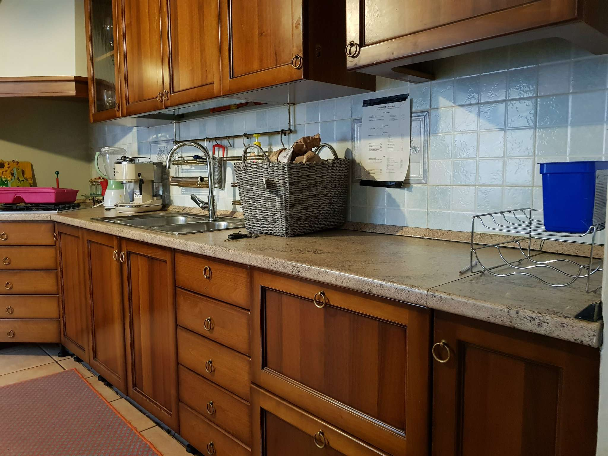 Appartamento in buone condizioni parzialmente arredato in vendita Rif. 7749927