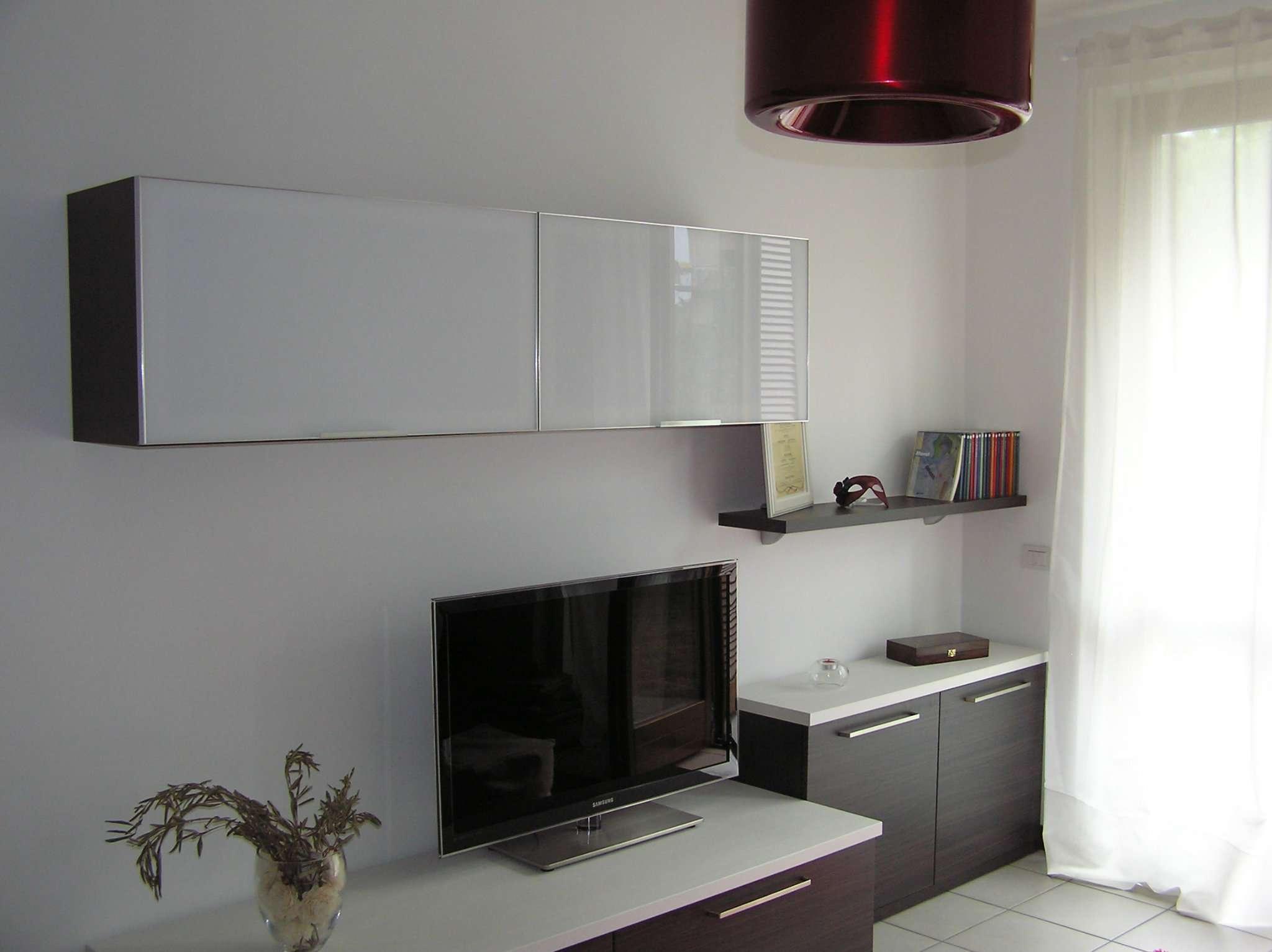 Appartamento in ottime condizioni arredato in affitto Rif. 7912058