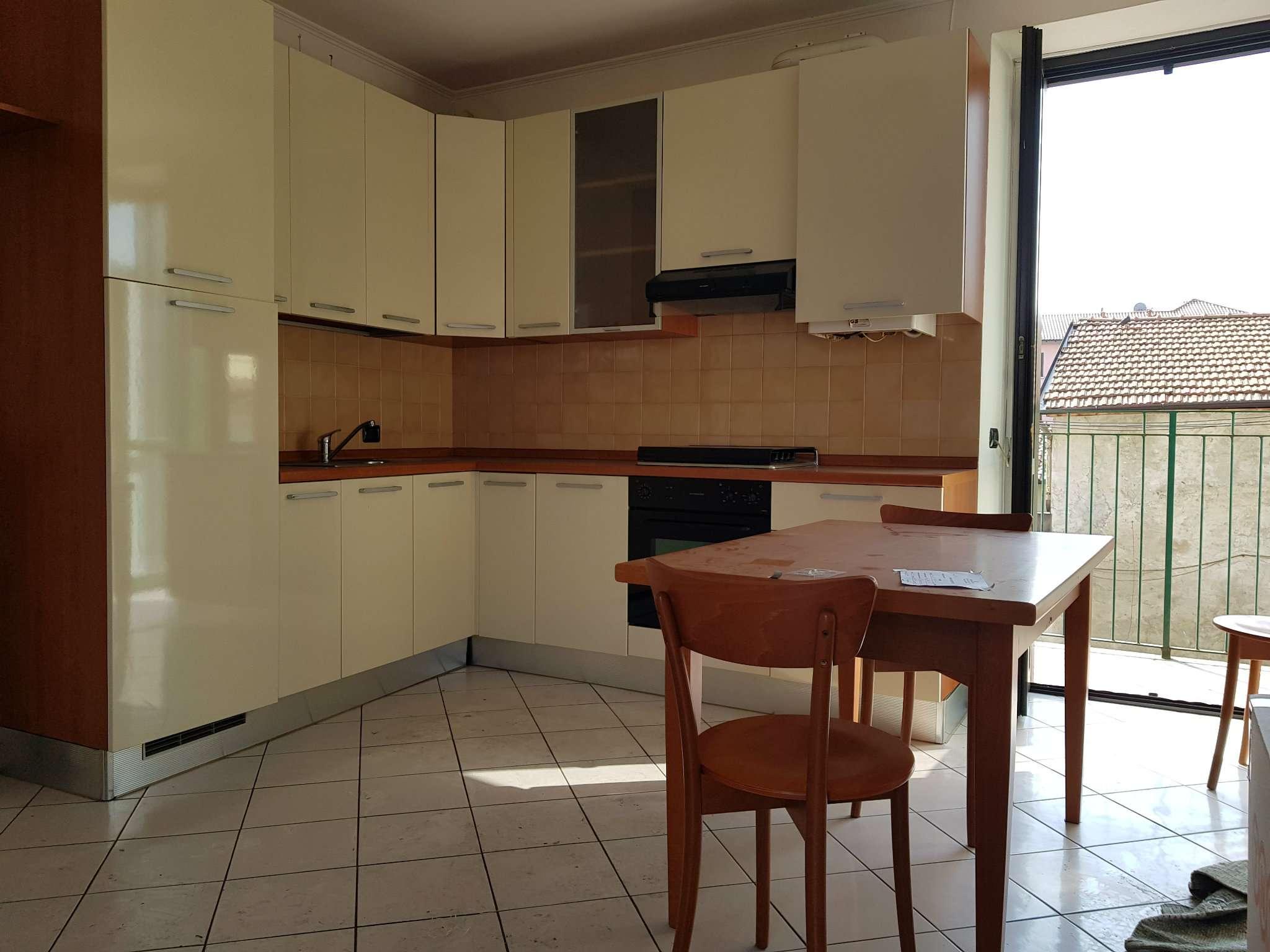 Appartamento in buone condizioni arredato in vendita Rif. 7934728