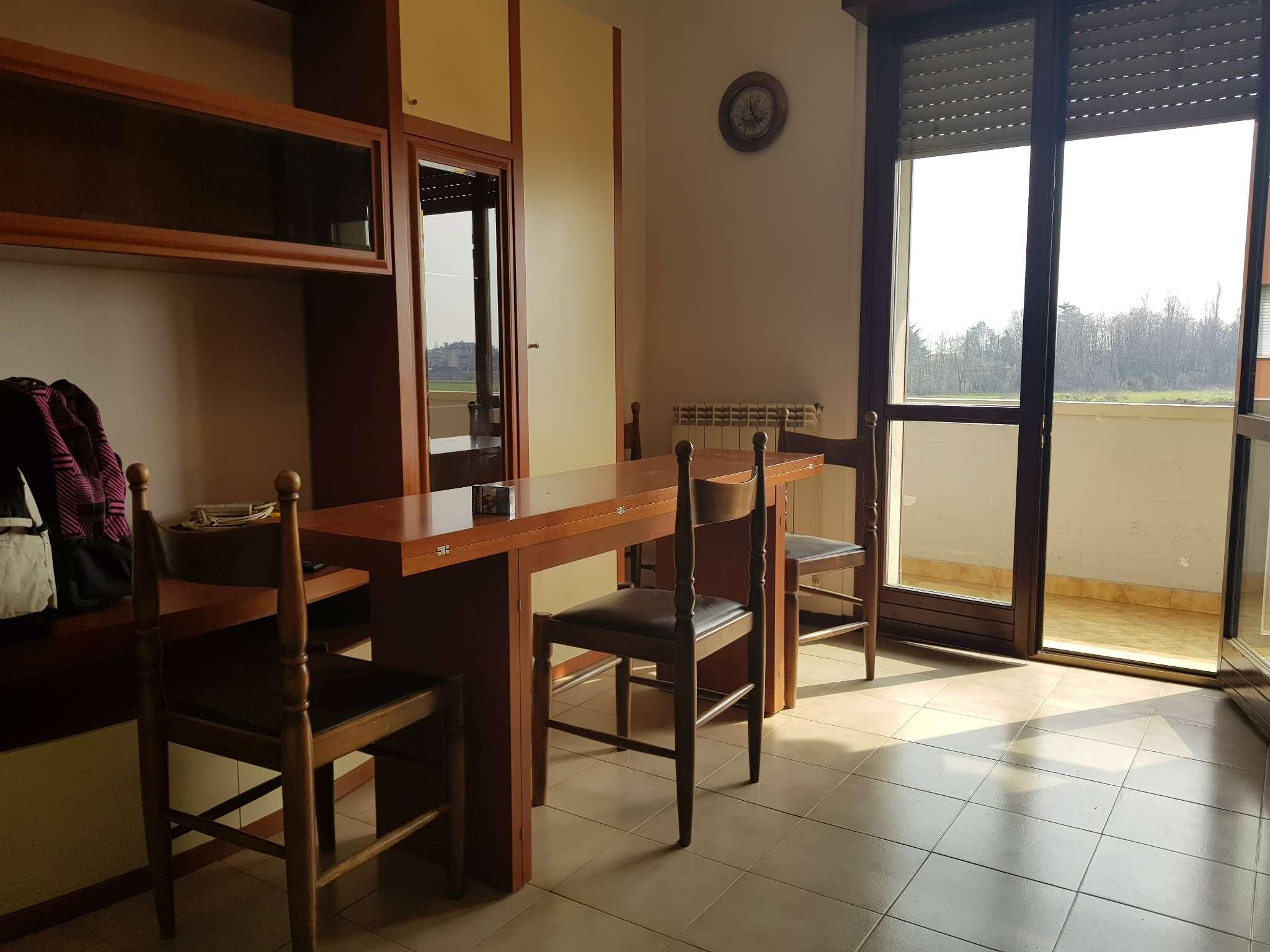Appartamento in buone condizioni arredato in vendita Rif. 8788315