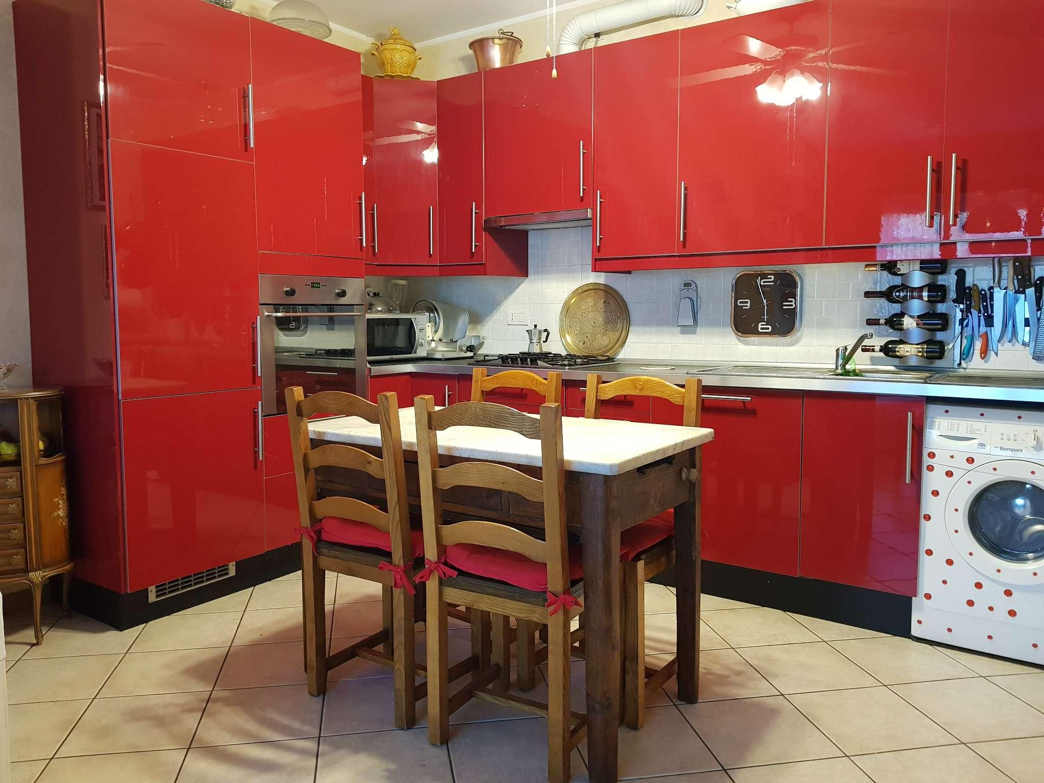Appartamento in buone condizioni in vendita Rif. 8788317