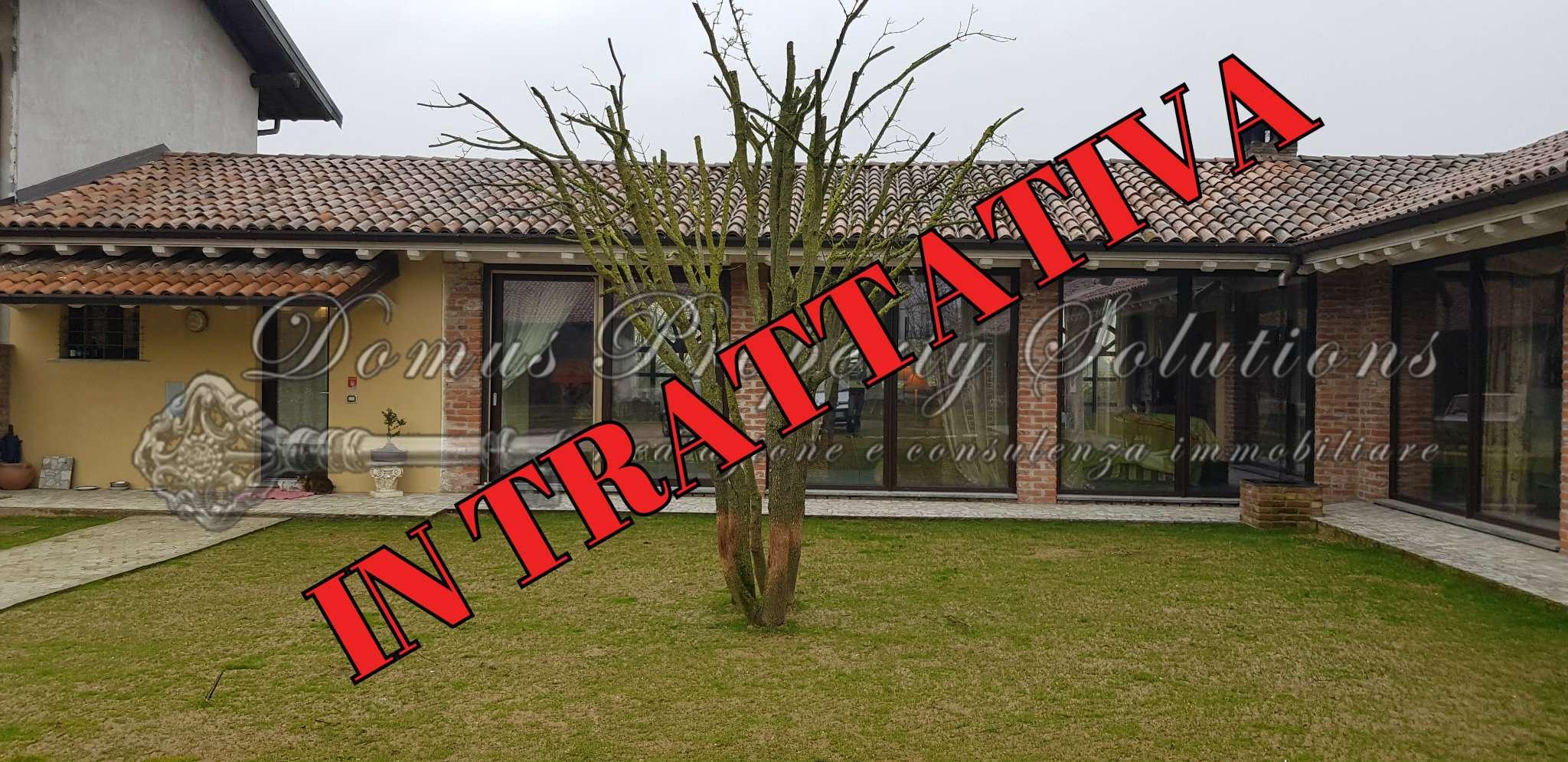 Villa in vendita a Dorno, 7 locali, prezzo € 235.000 | CambioCasa.it