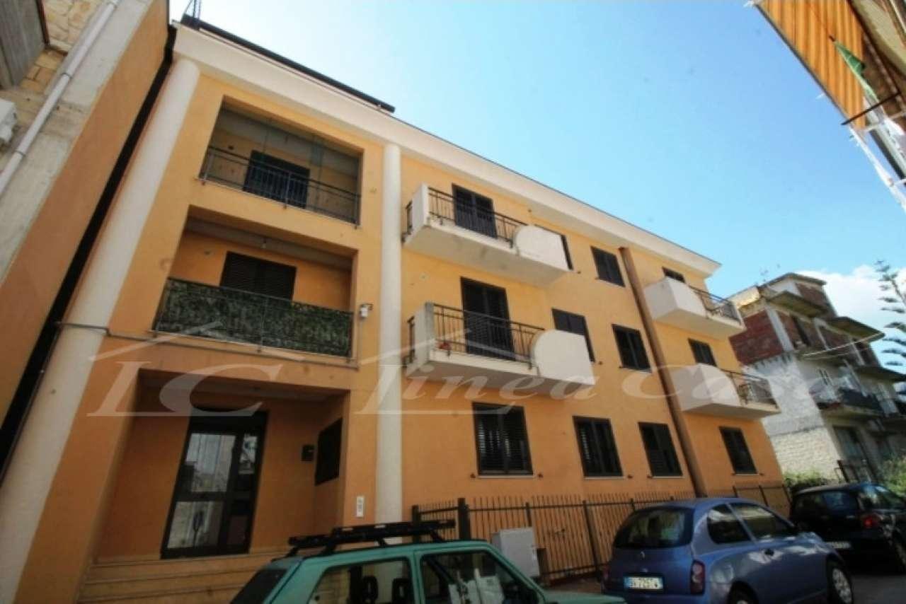 Appartamento in buone condizioni in affitto Rif. 6495481