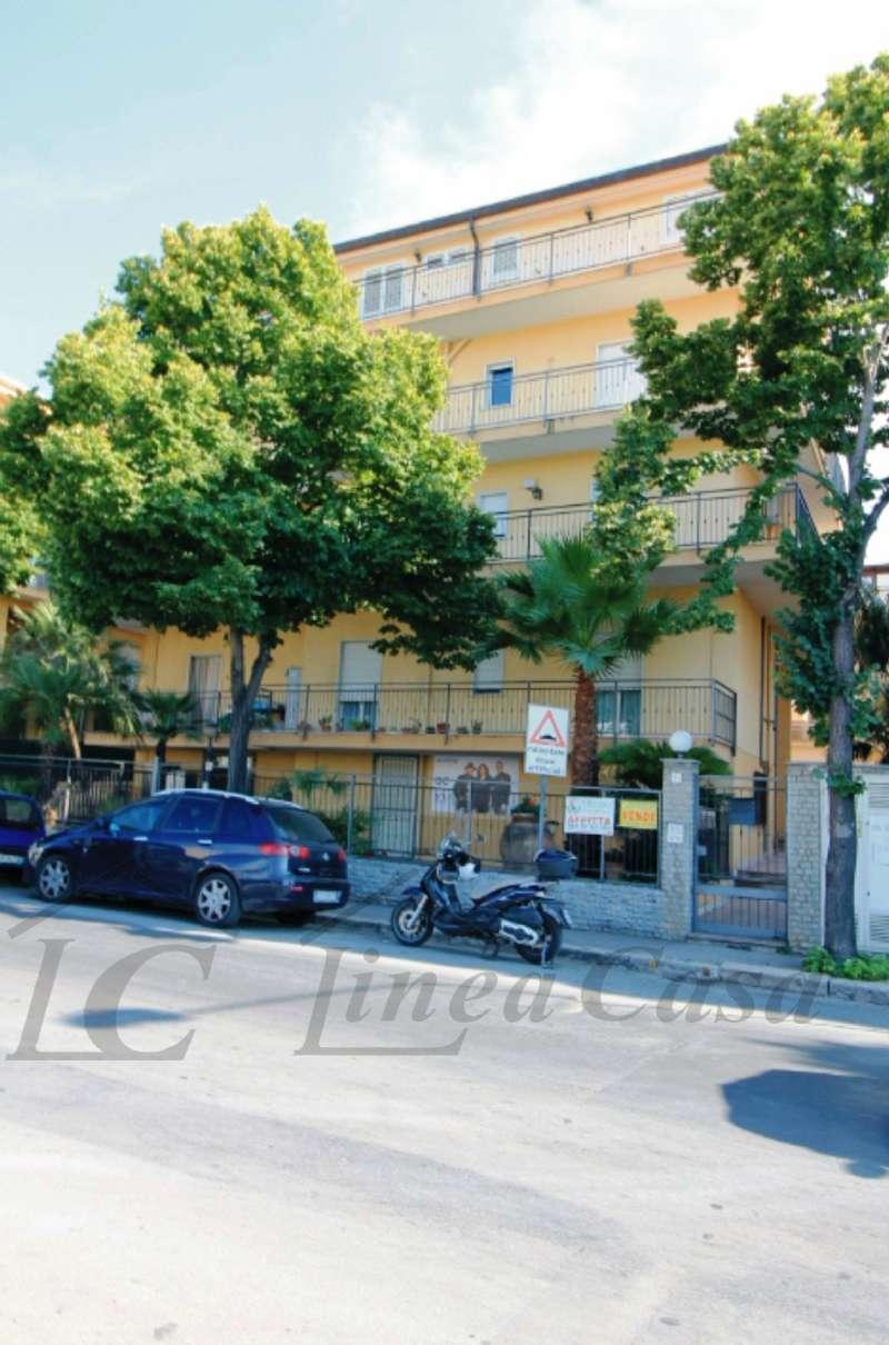 Appartamento in ottime condizioni in vendita Rif. 8595945