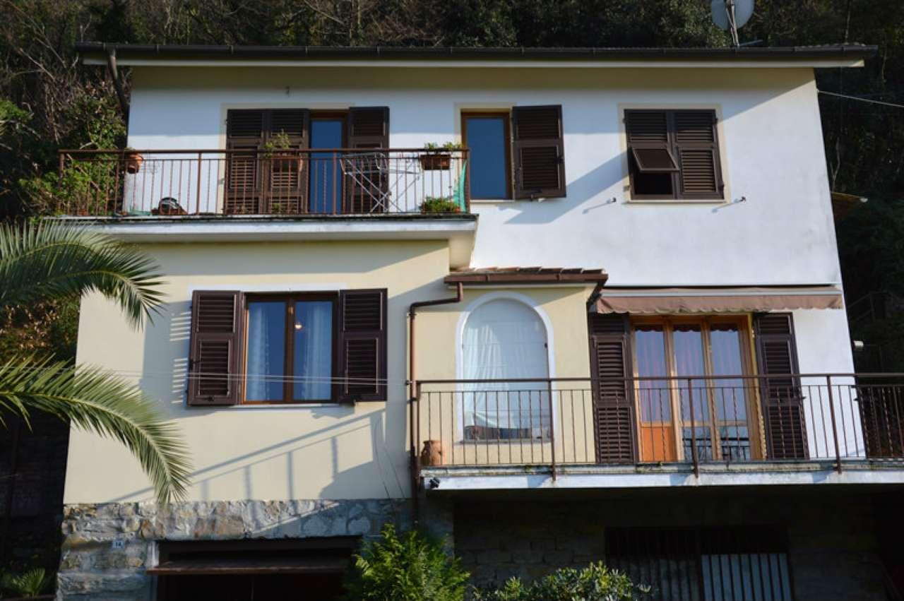 Rapallo: In Bifamiliare, appartamento con giardino, box auto, vista aperta