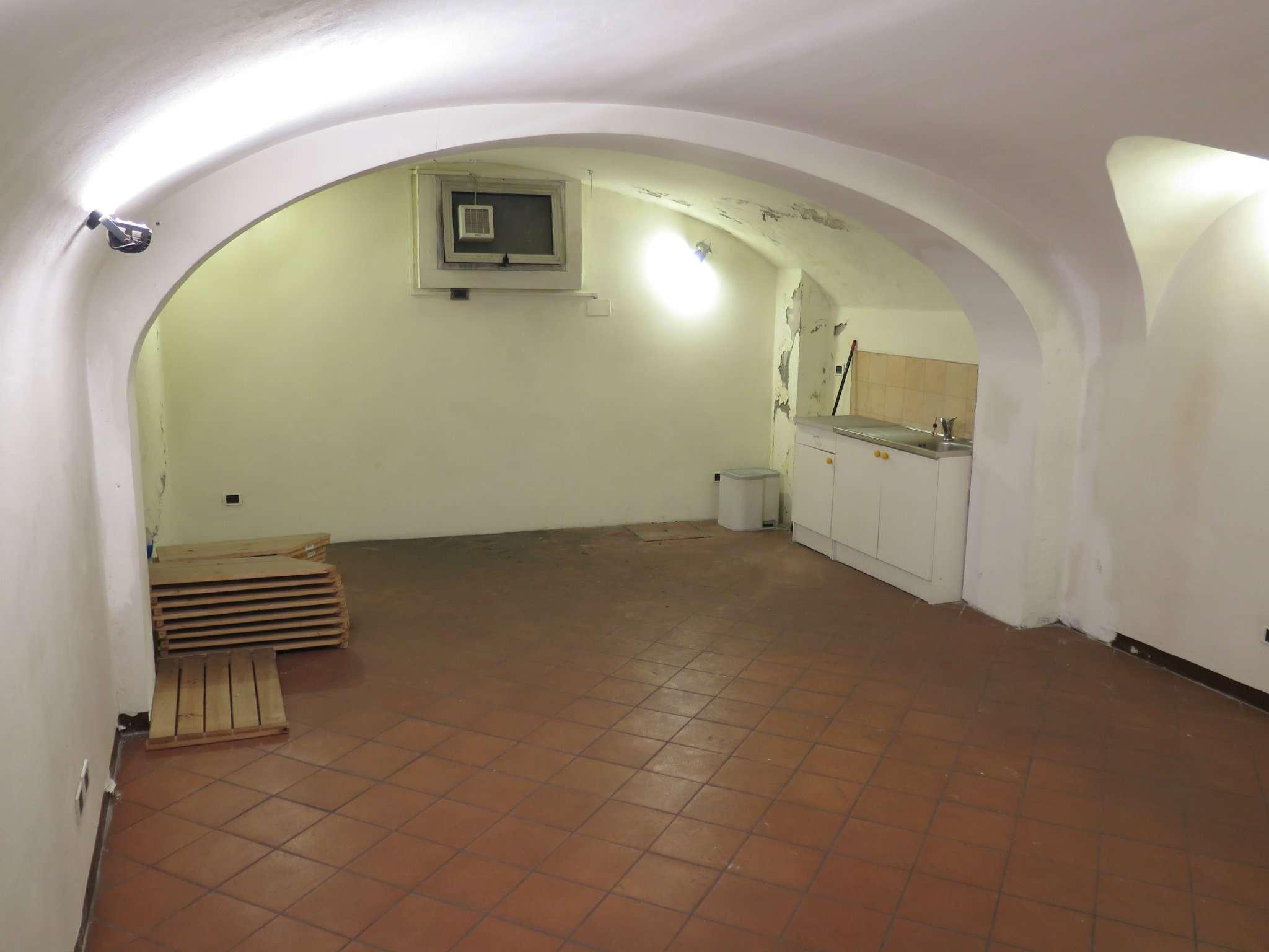 Appartamento in buone condizioni in vendita Rif. 8888134