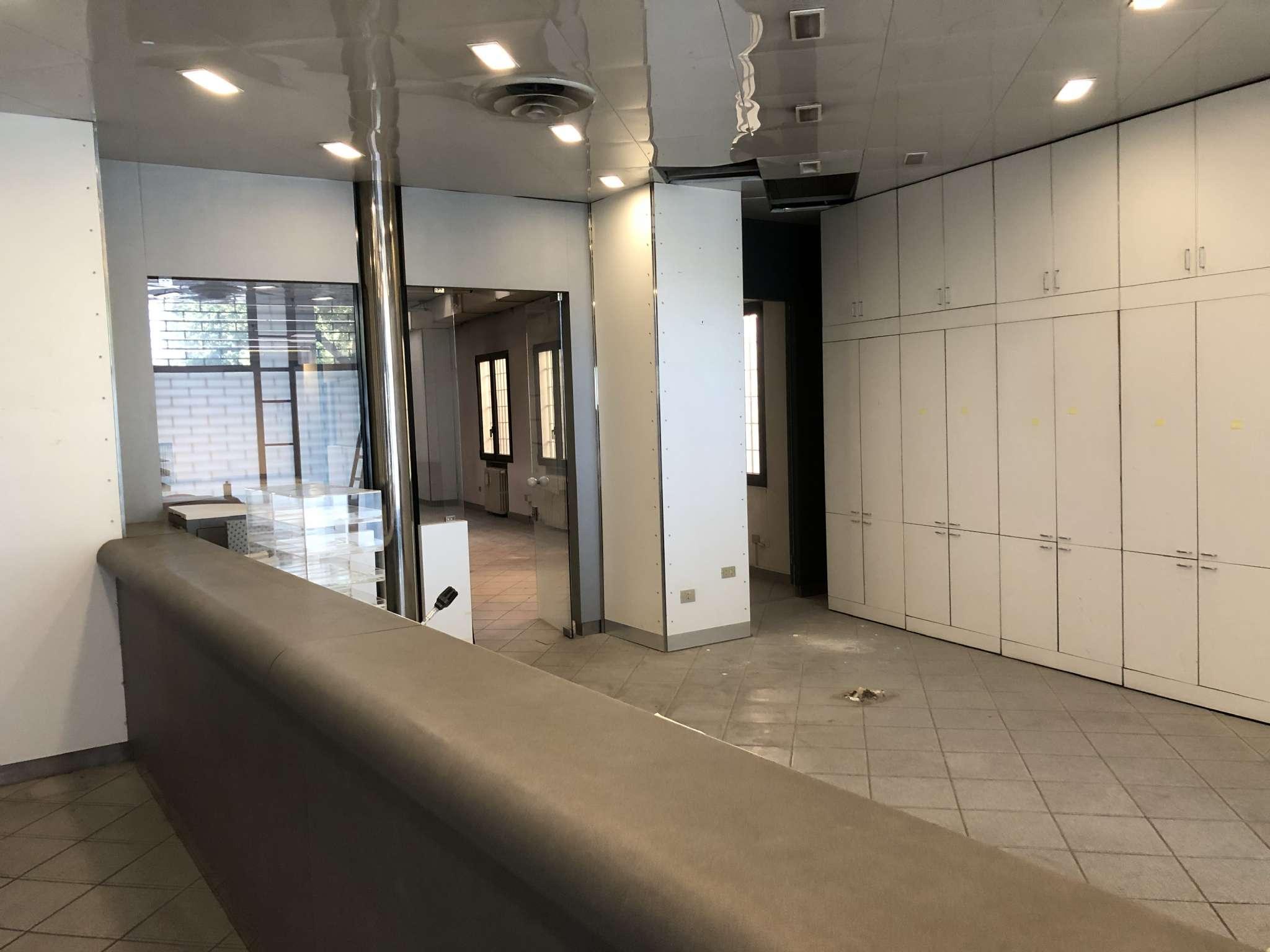 Ufficio / Studio in vendita a Bologna, 3 locali, zona Zona: 1 . Centro Storico, prezzo € 690.000 | CambioCasa.it