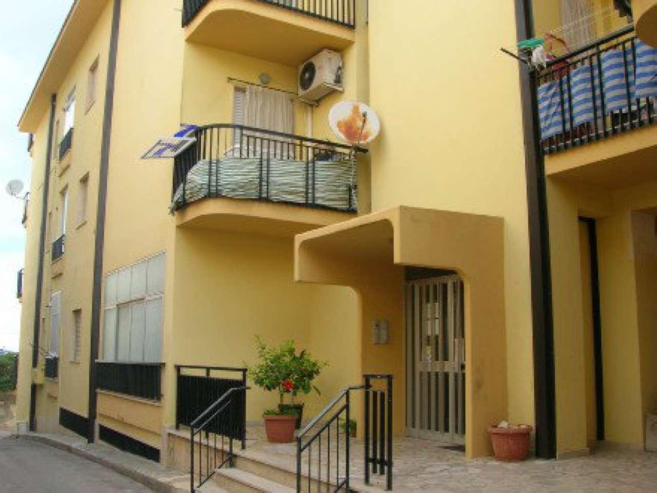 Appartamento in buone condizioni in vendita Rif. 6843415