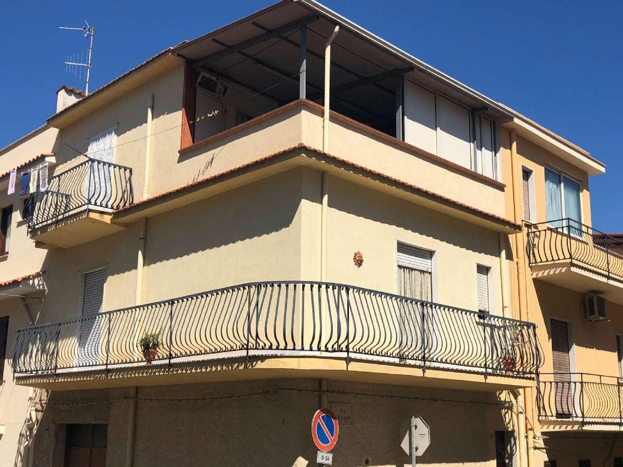 Appartamento in buone condizioni in vendita Rif. 7270980