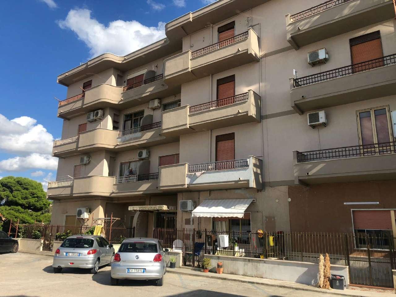Appartamento ristrutturato in vendita Rif. 7692586
