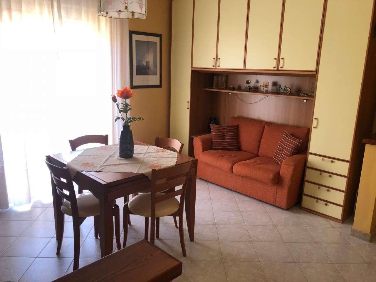 Appartamento in buone condizioni in vendita Rif. 7692587
