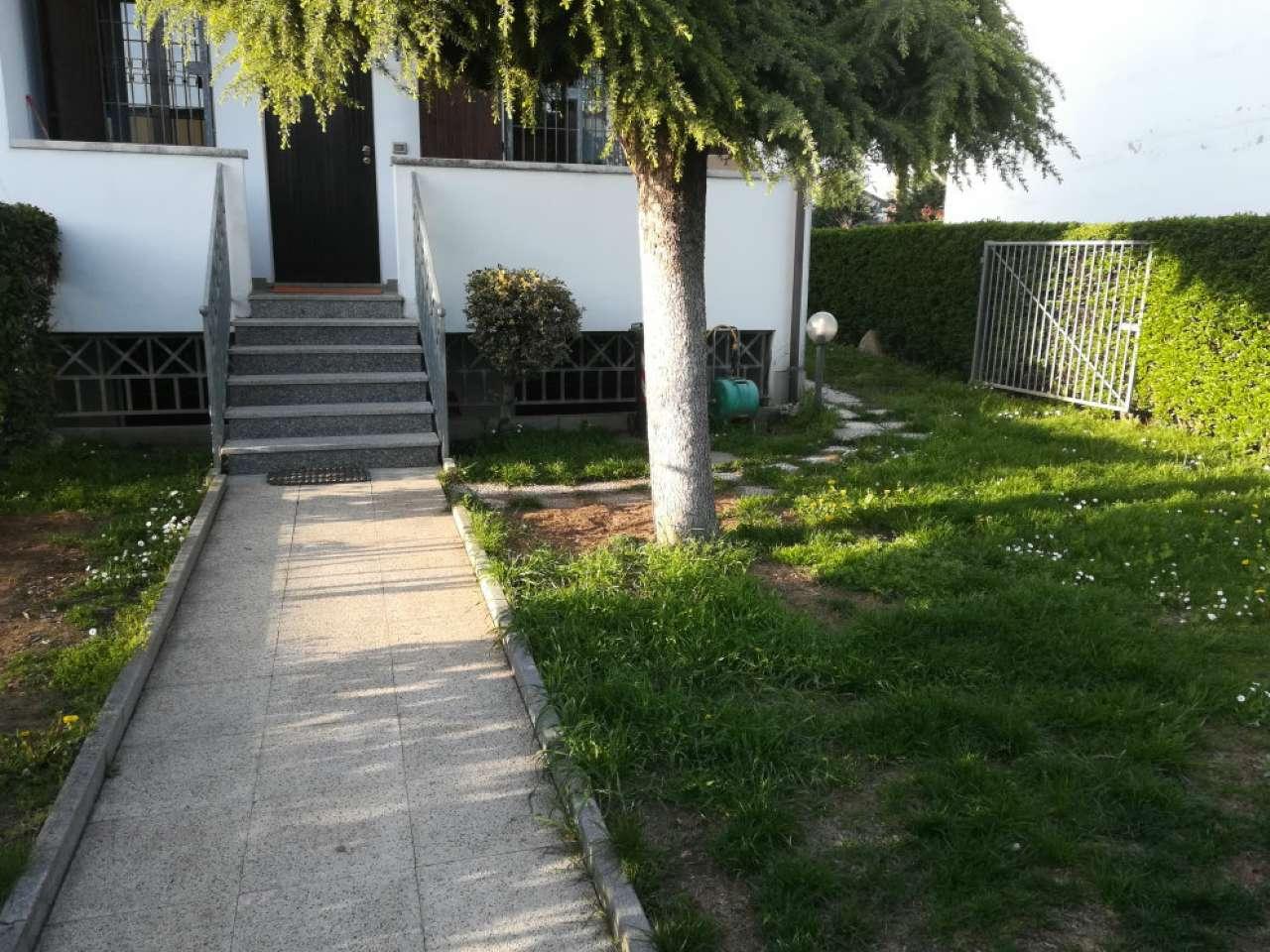 Villetta a schiera in buone condizioni in vendita Rif. 5265387