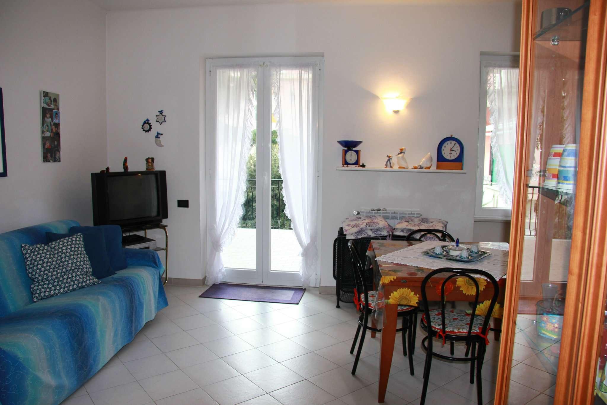 Appartamento in vendita a Deiva Marina, 3 locali, prezzo € 275.000 | CambioCasa.it