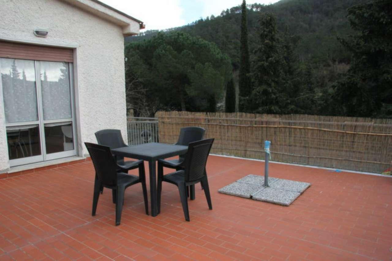 Appartamento in vendita a Deiva Marina, 5 locali, prezzo € 165.000 | CambioCasa.it