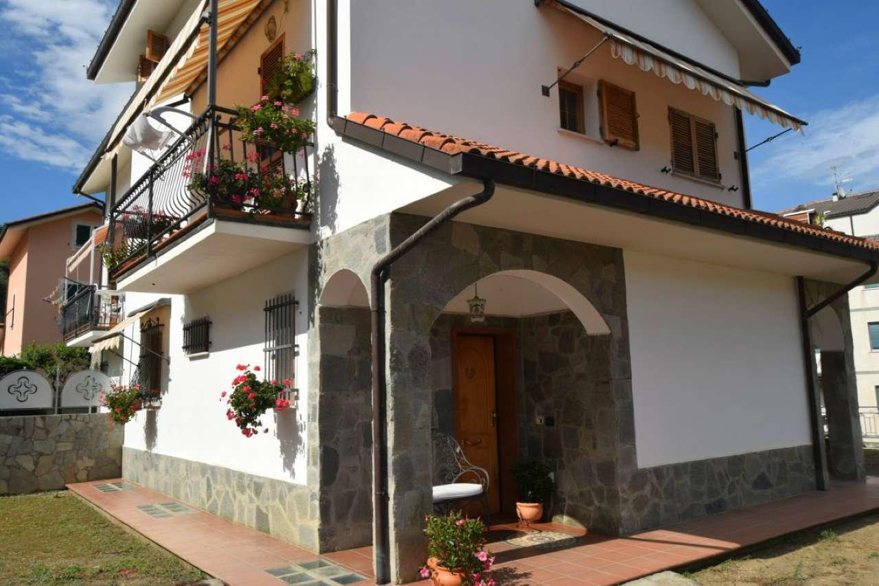 Villa a Schiera in vendita a Casarza Ligure, 4 locali, prezzo € 520.000   CambioCasa.it