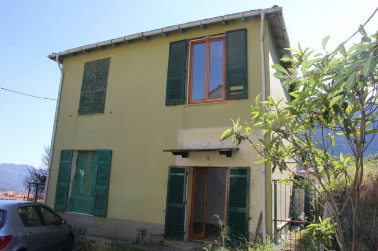 Soluzione Indipendente in vendita a Casarza Ligure, 8 locali, prezzo € 149.000   CambioCasa.it