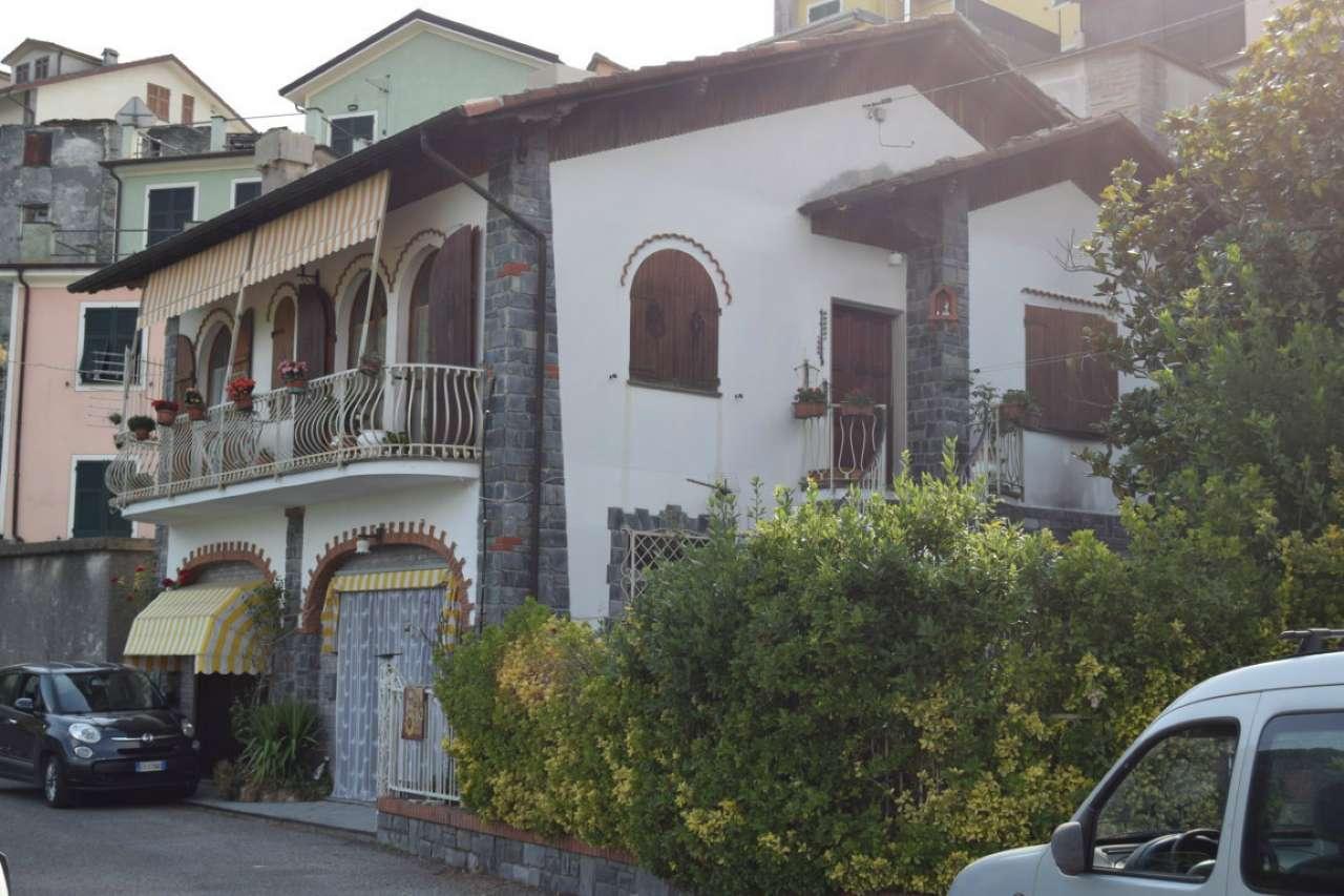 Soluzione Indipendente in vendita a Tribogna, 7 locali, prezzo € 160.000 | CambioCasa.it
