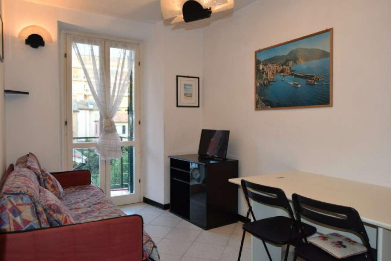 Appartamento in buone condizioni arredato in vendita Rif. 8160950