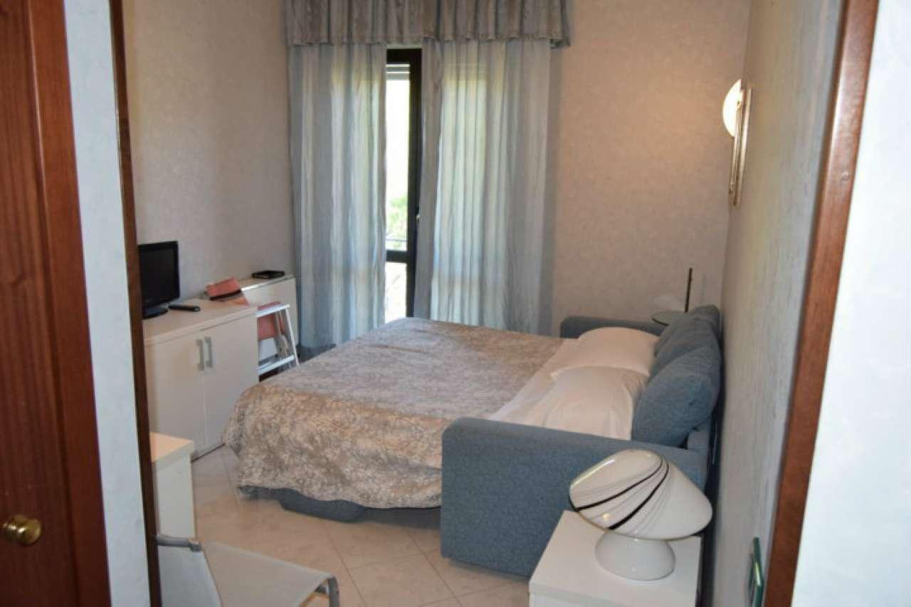 Stanza / posto letto in buone condizioni arredato in vendita Rif. 8693377