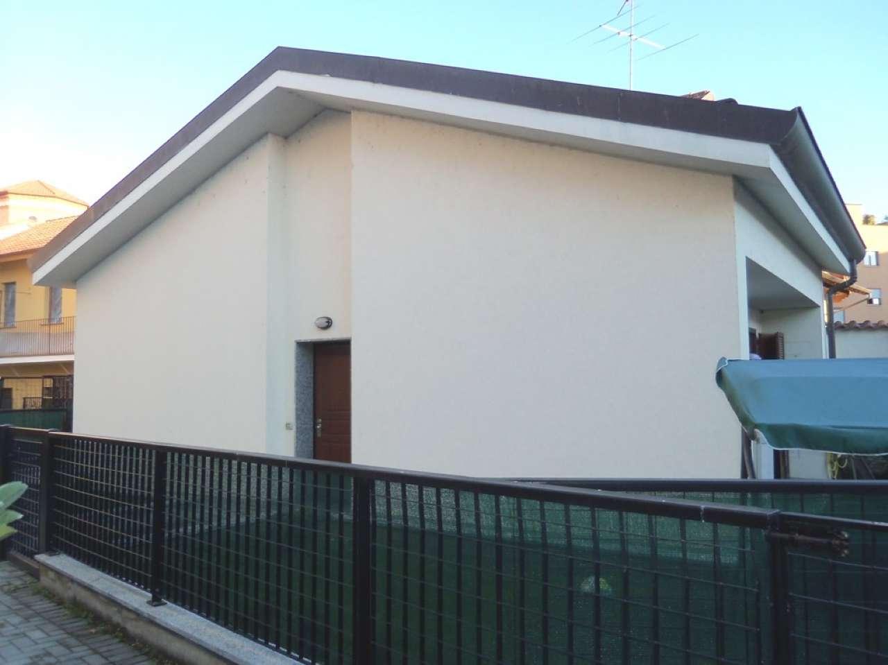 Villa in vendita a Settimo Milanese, 3 locali, prezzo € 197.000 | CambioCasa.it