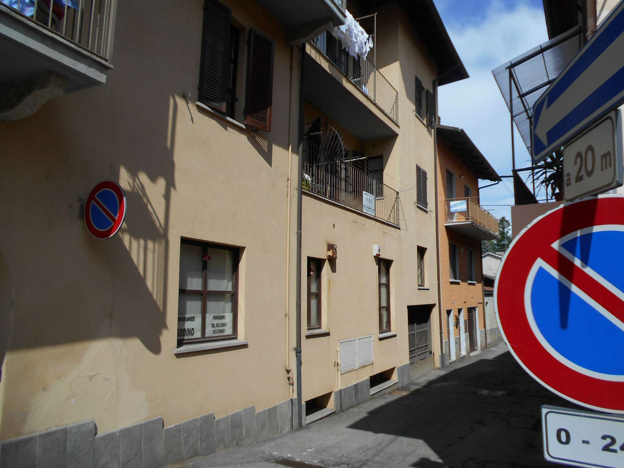 Appartamento in buone condizioni parzialmente arredato in vendita Rif. 6495525