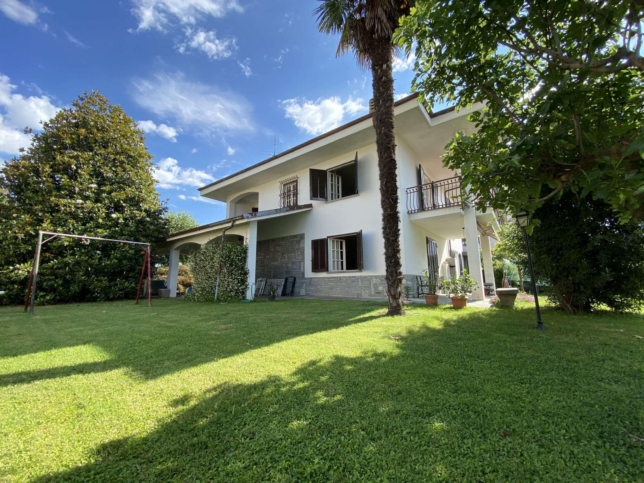 Villa in vendita a Cavour, 8 locali, prezzo € 250.000 | PortaleAgenzieImmobiliari.it