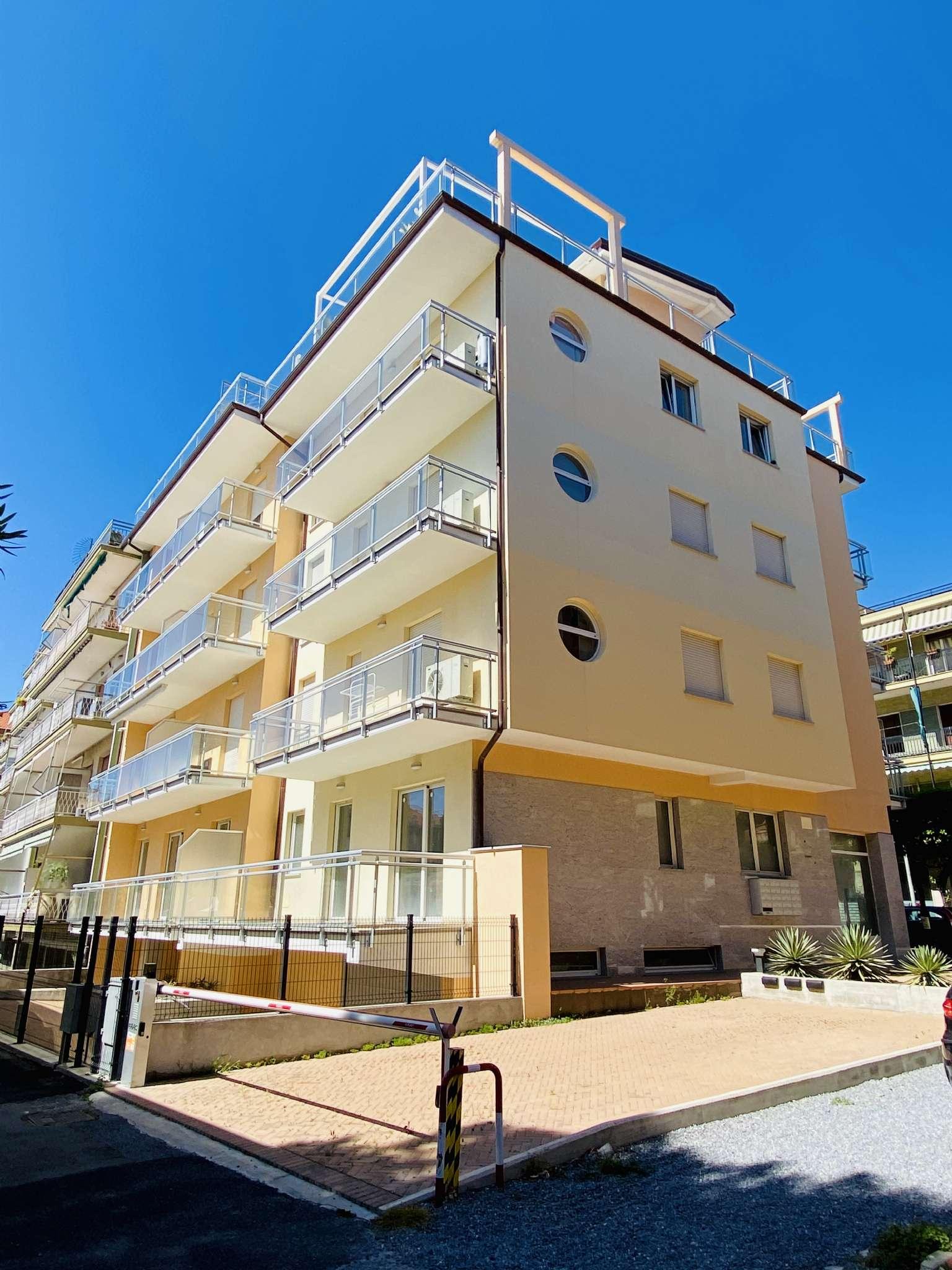 Appartamento in vendita a Diano Marina, 3 locali, prezzo € 350.000 | CambioCasa.it