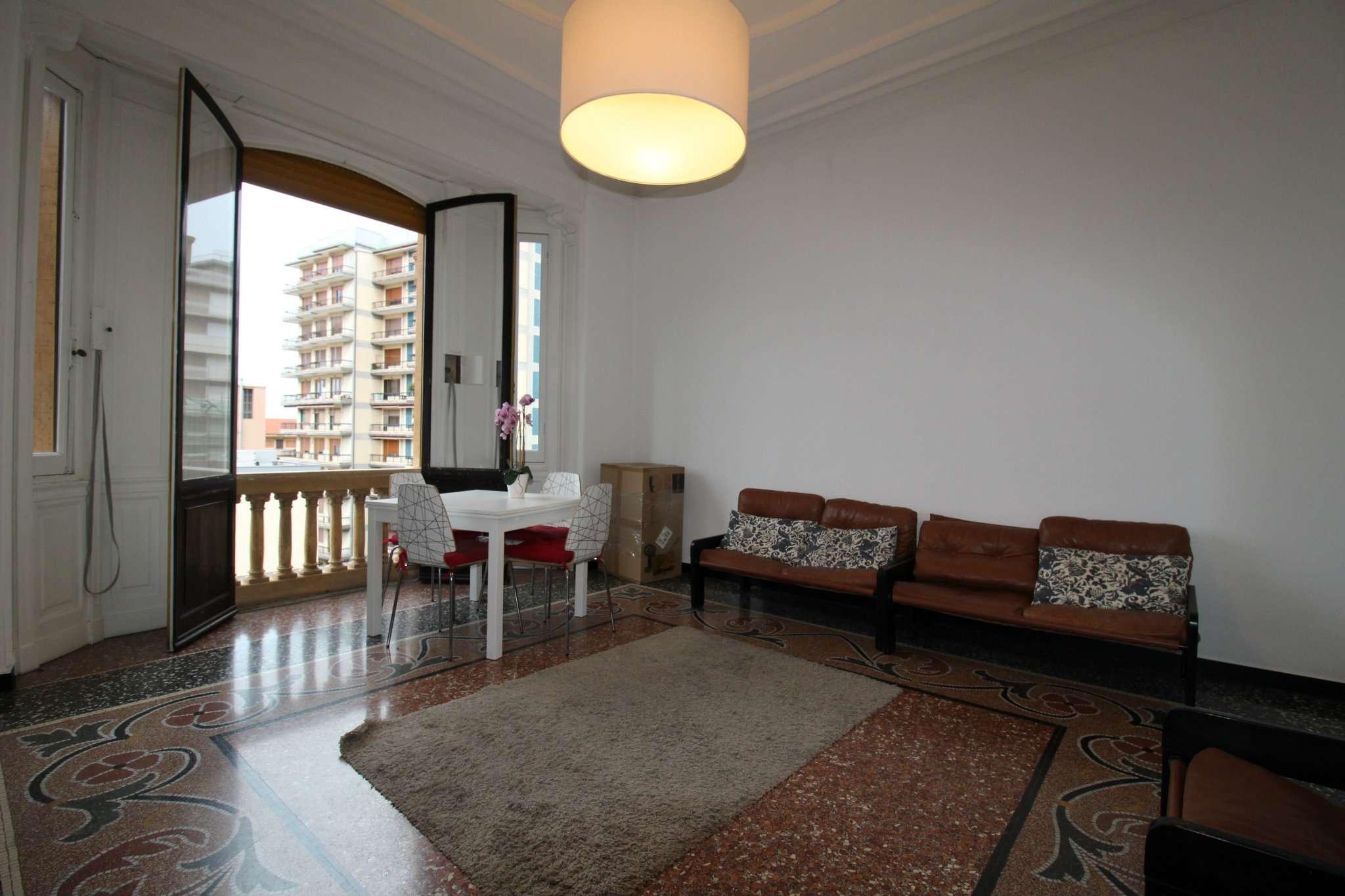Appartamento in affitto a Genova, 4 locali, zona Sestri Ponente, Medio Ponente, prezzo € 800 | PortaleAgenzieImmobiliari.it