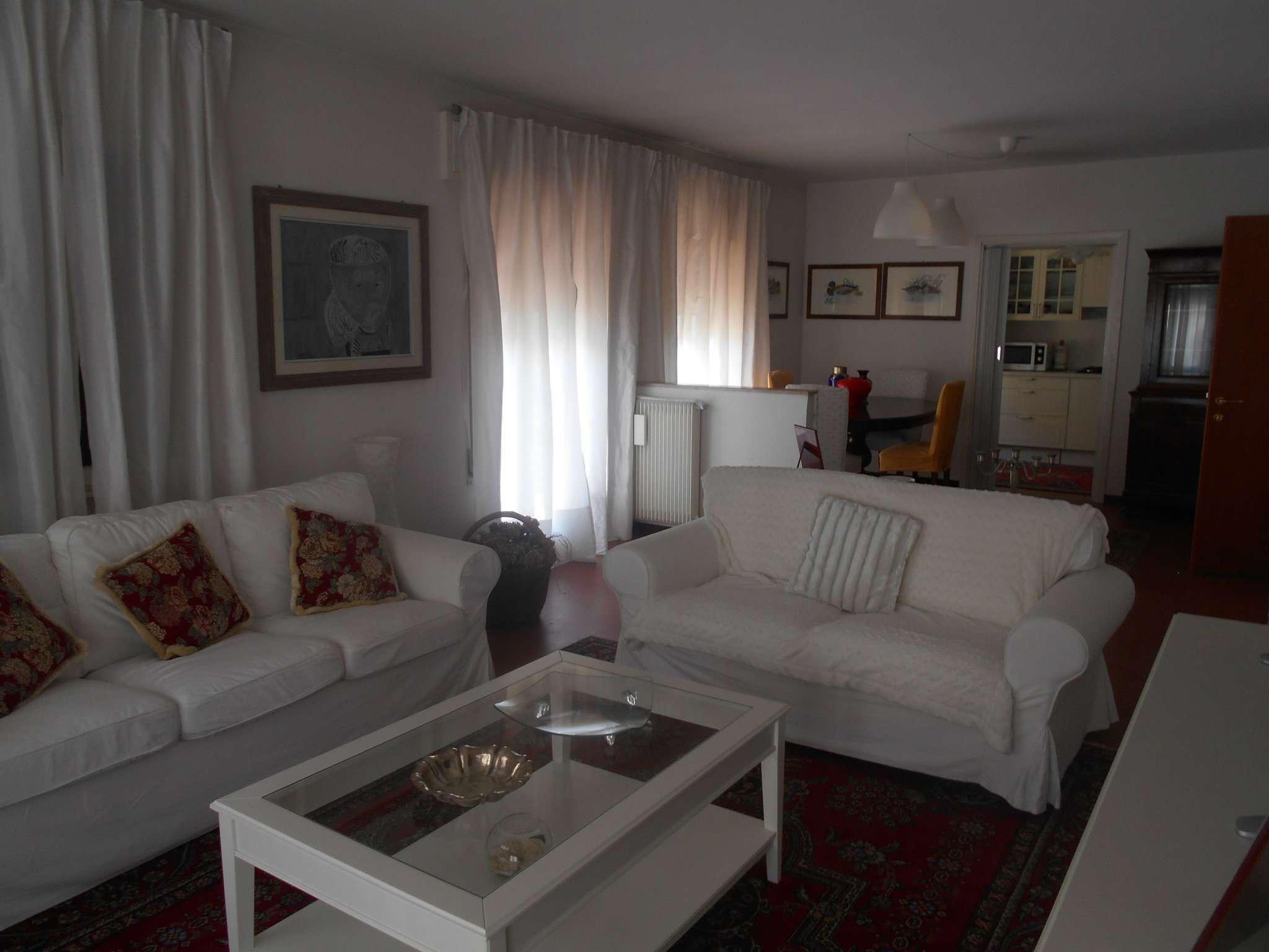 Appartamento in vendita a Castelfranco Veneto, 6 locali, prezzo € 190.000   CambioCasa.it