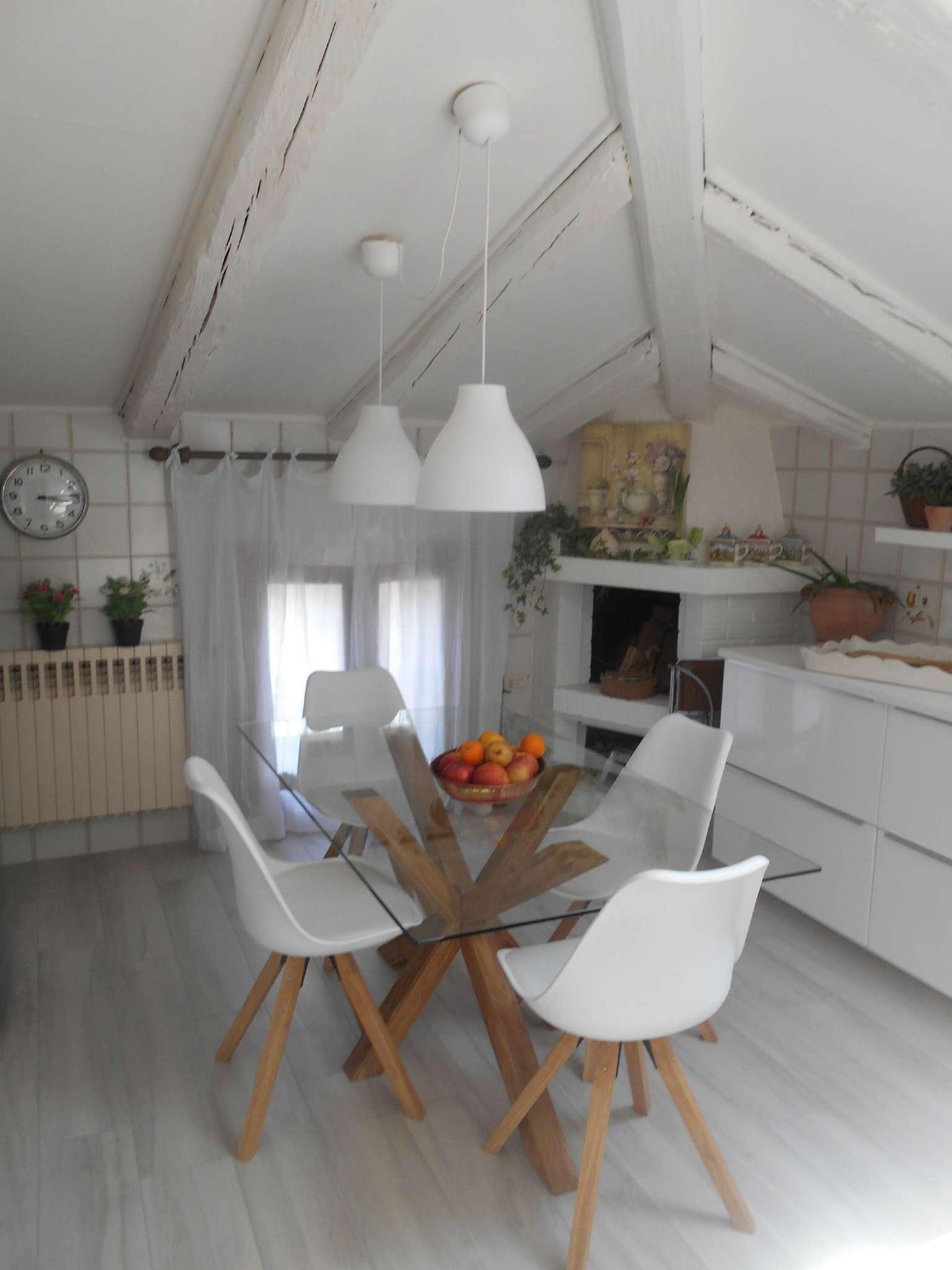Appartamento in vendita a Castelfranco Veneto, 7 locali, prezzo € 290.000   CambioCasa.it