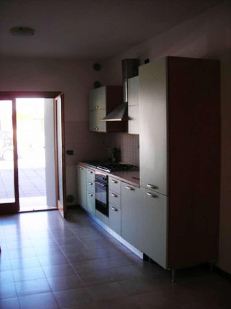 Appartamento in affitto a Vedelago, 4 locali, prezzo € 480 | CambioCasa.it
