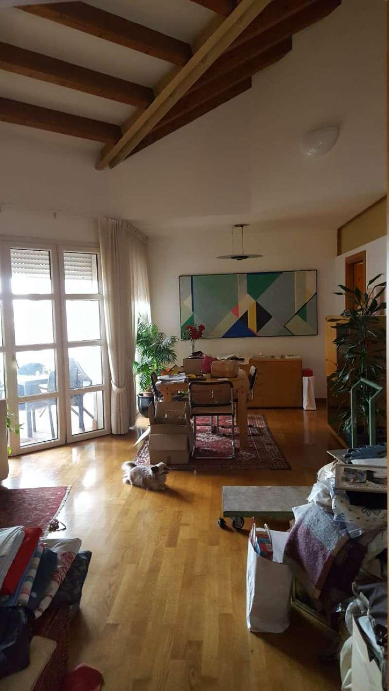 Attico / Mansarda in vendita a Castelfranco Veneto, 9 locali, prezzo € 230.000 | PortaleAgenzieImmobiliari.it