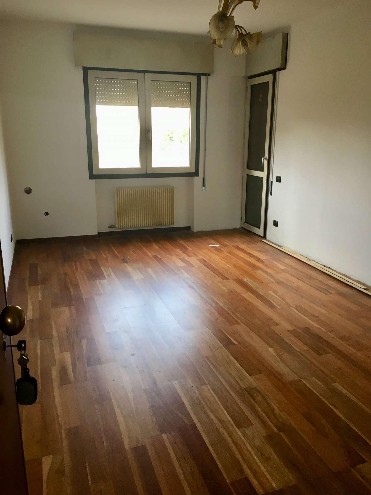 Appartamento in affitto a Vedelago, 5 locali, prezzo € 480 | CambioCasa.it