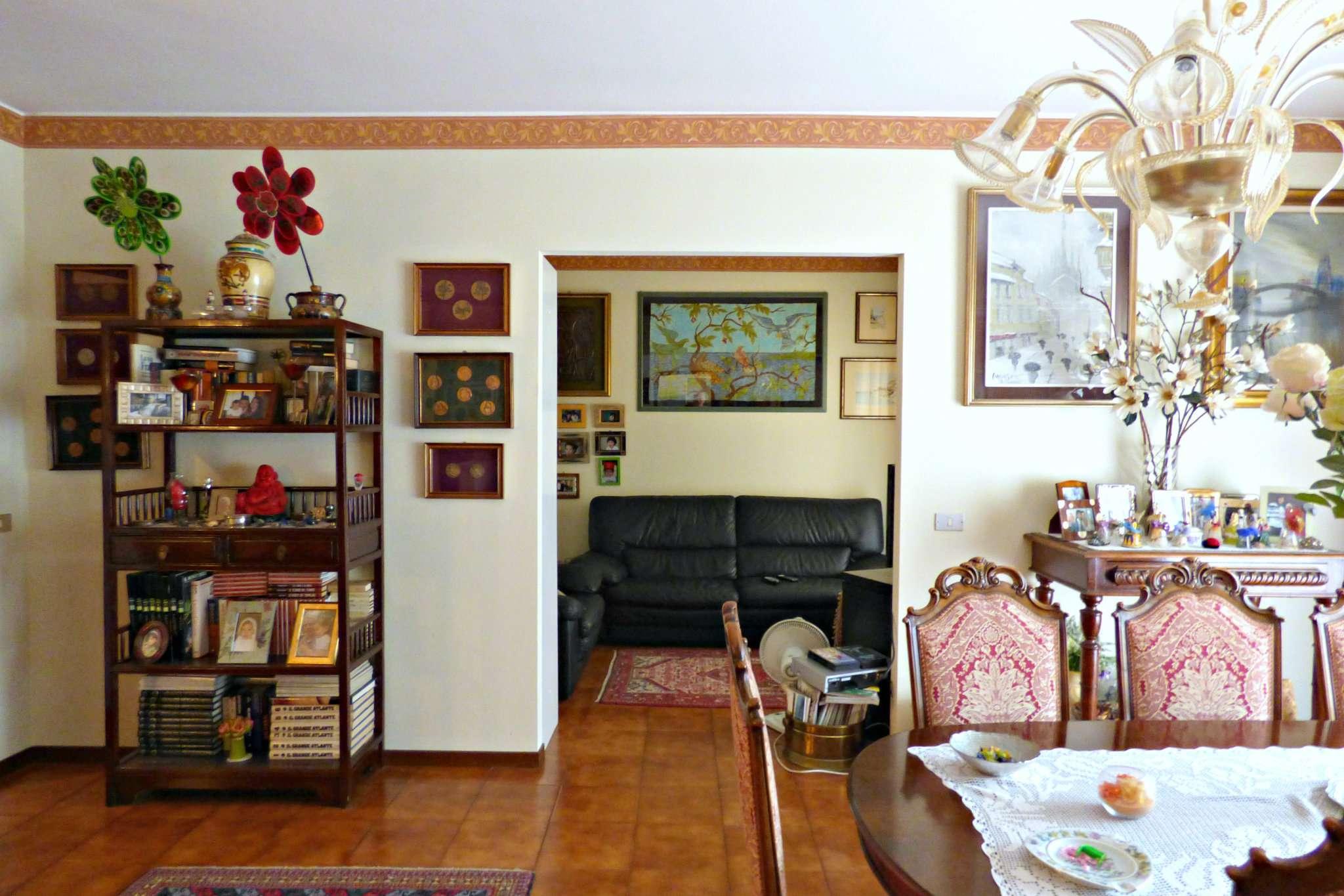 Appartamento in buone condizioni parzialmente arredato in vendita Rif. 7190419