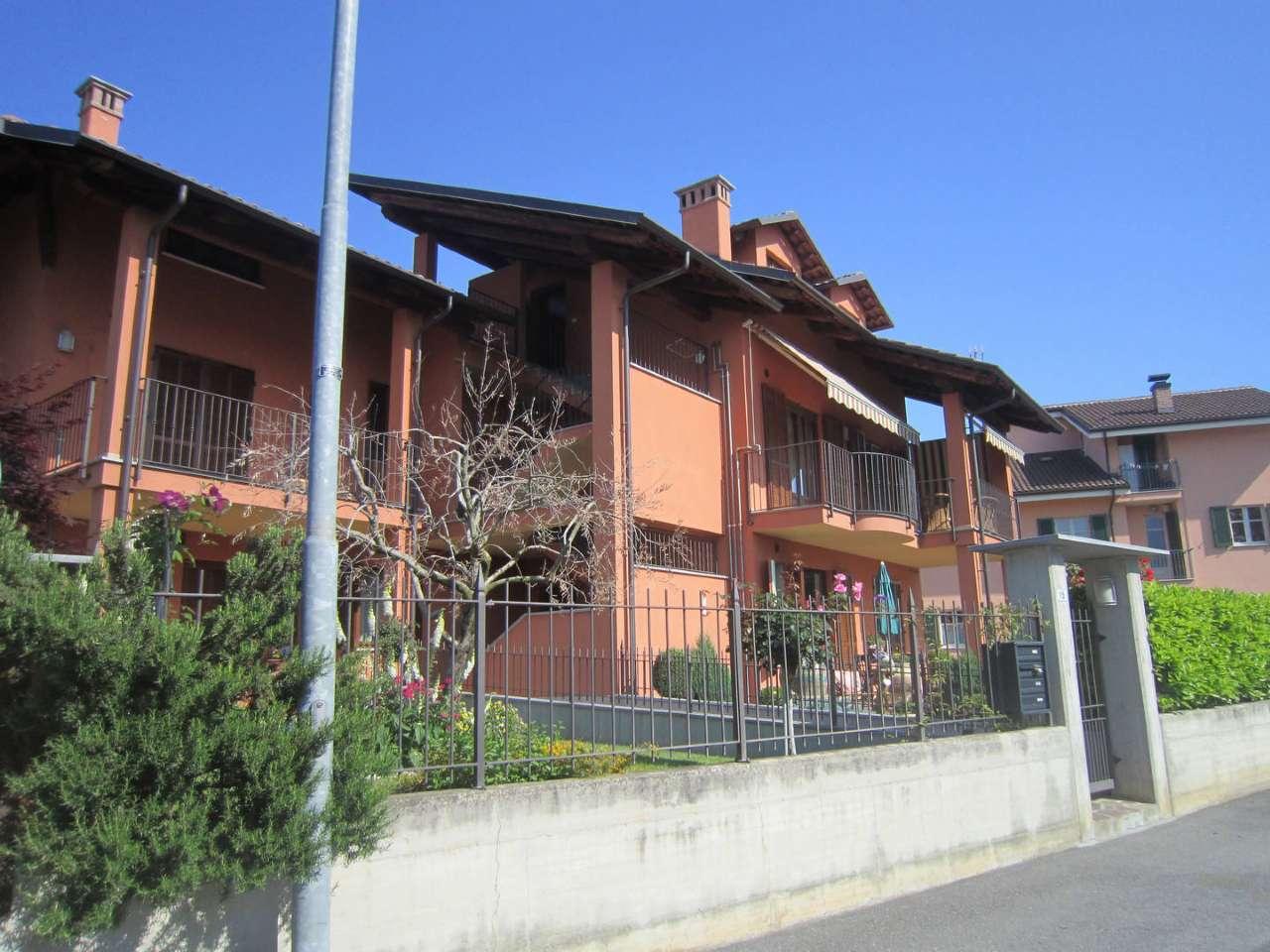 Appartamento in ottime condizioni in vendita Rif. 8596116