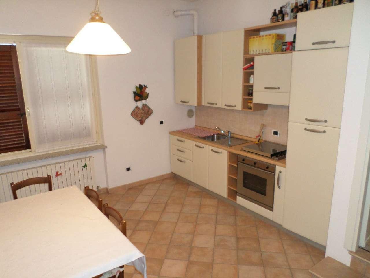 Appartamento in buone condizioni in vendita Rif. 9059250