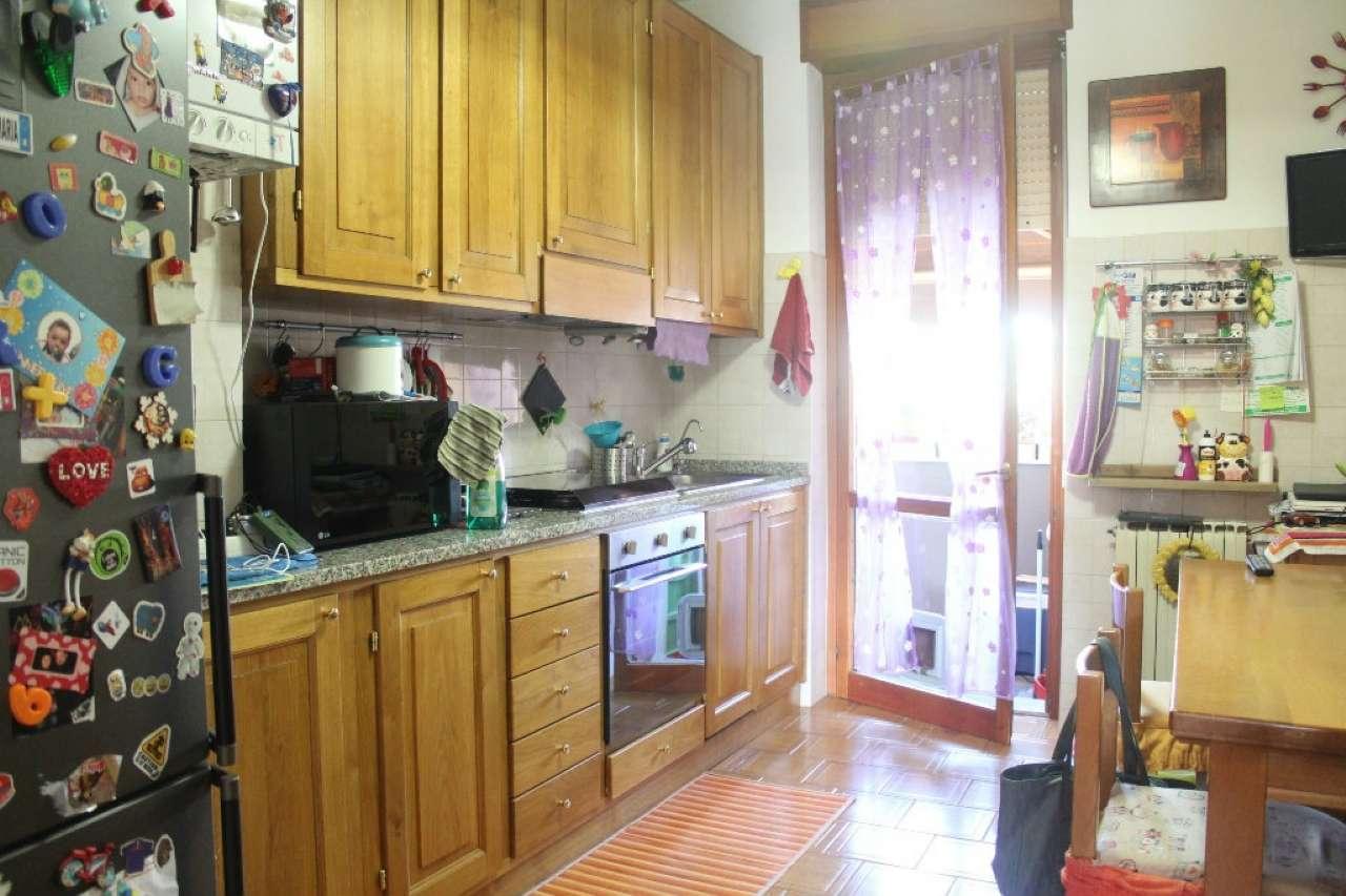 Appartamento in buone condizioni in vendita Rif. 9308780