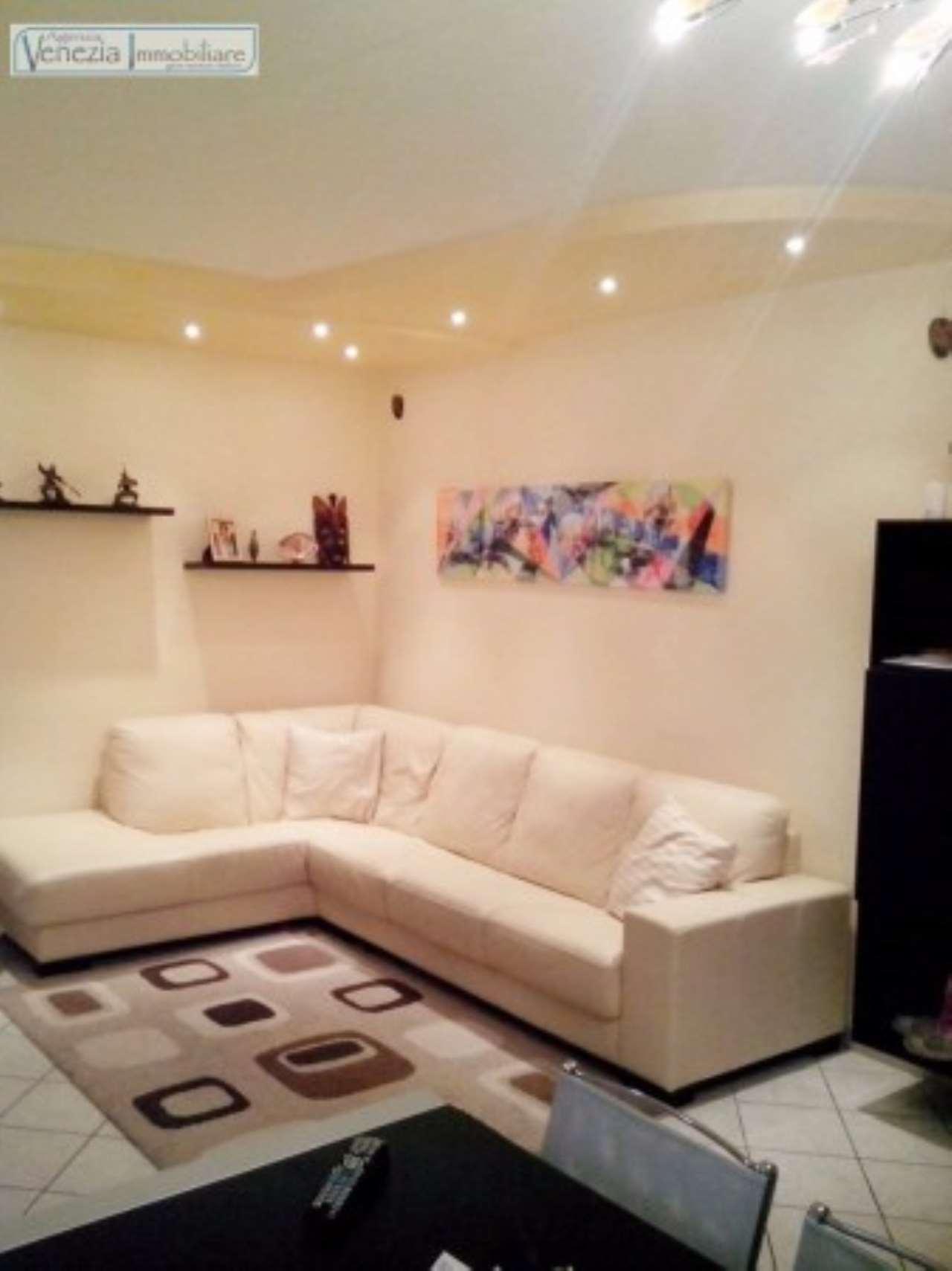 Appartamento in buone condizioni in vendita Rif. 5271446