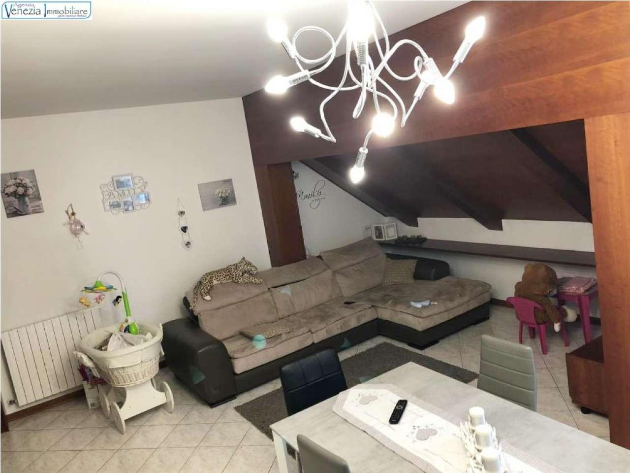 Appartamento in vendita a Chioggia, 6 locali, prezzo € 185.000 | PortaleAgenzieImmobiliari.it
