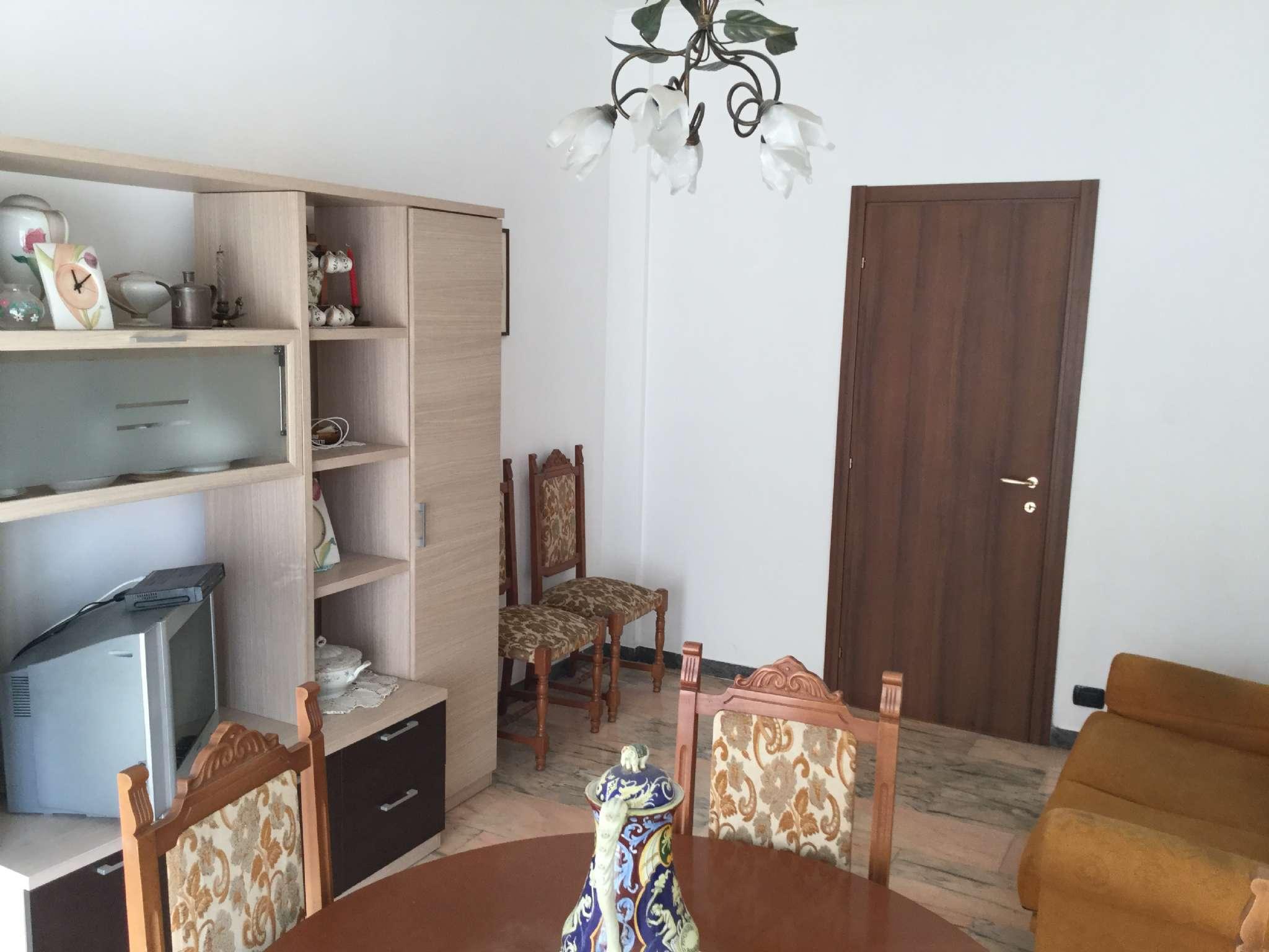 Appartamento in vendita a Chiavari, 6 locali, prezzo € 240.000 | CambioCasa.it