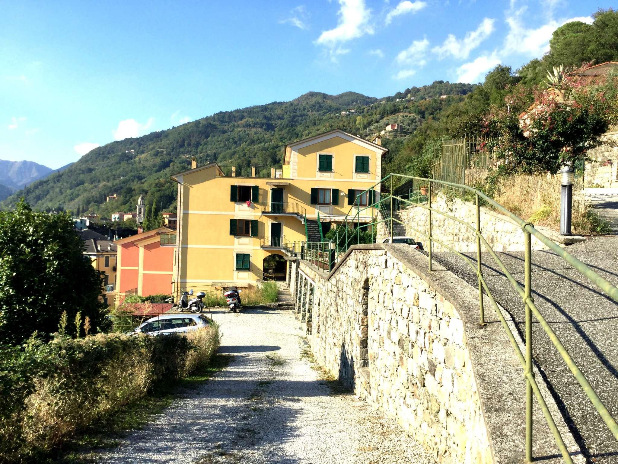 Appartamento in vendita a Borzonasca, 5 locali, prezzo € 169.000 | CambioCasa.it