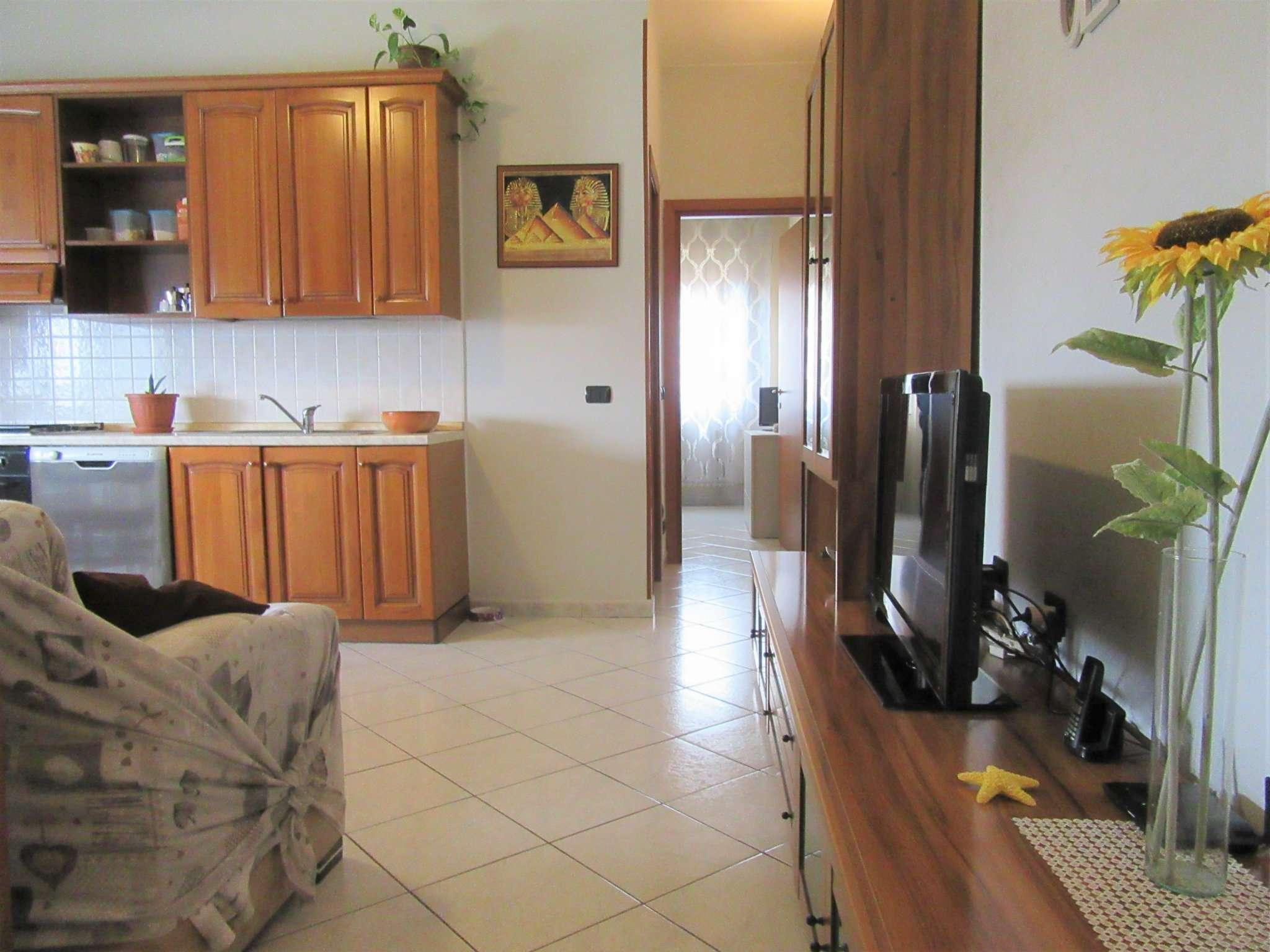 Appartamento in buone condizioni in vendita Rif. 8913198