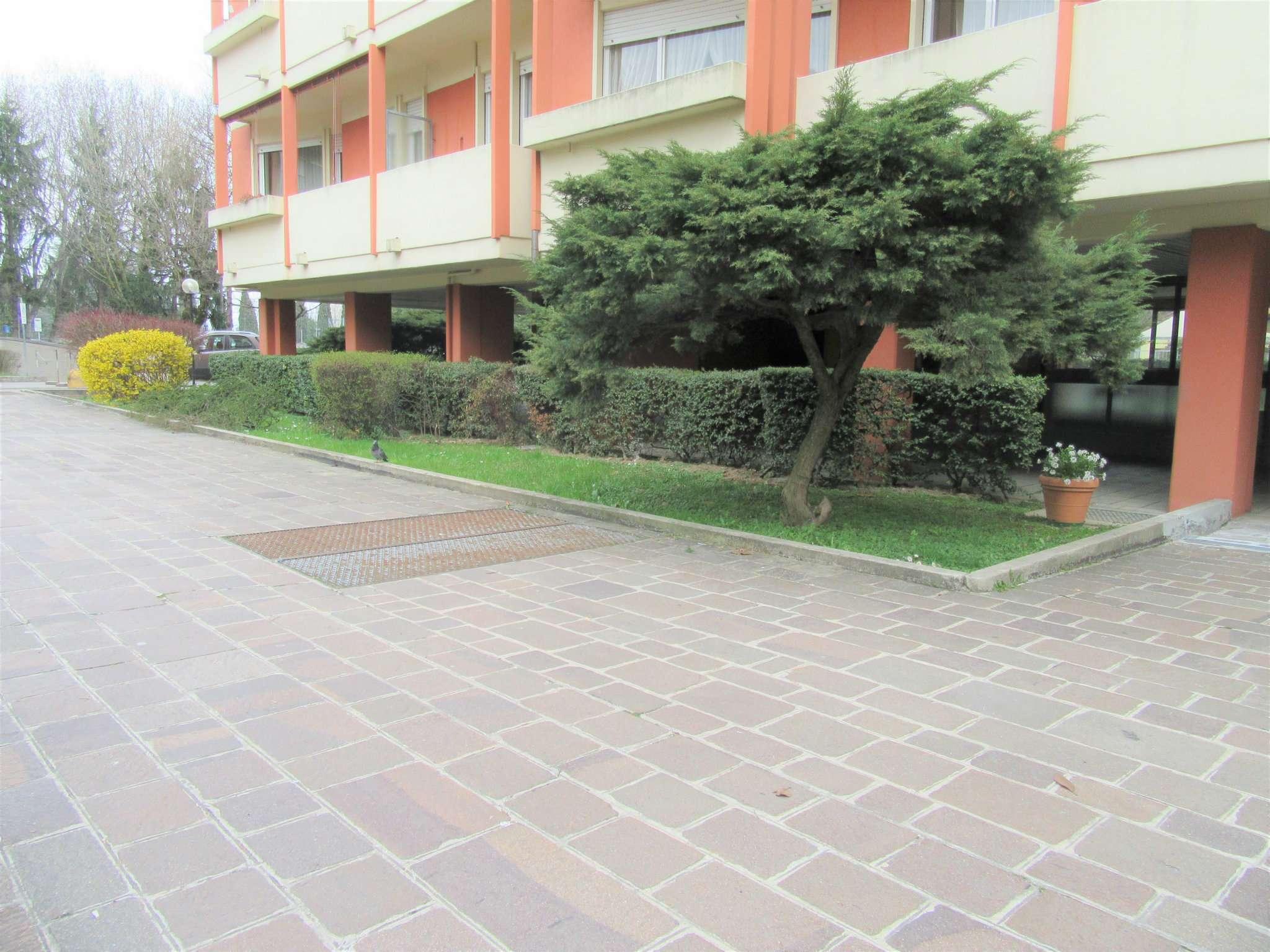 Appartamento in buone condizioni in vendita Rif. 5892490