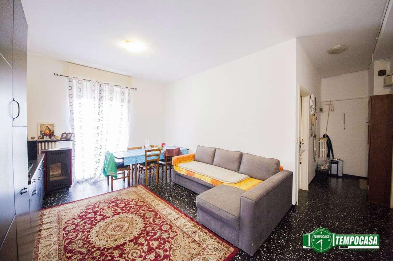 Appartamento in buone condizioni in vendita Rif. 8913192