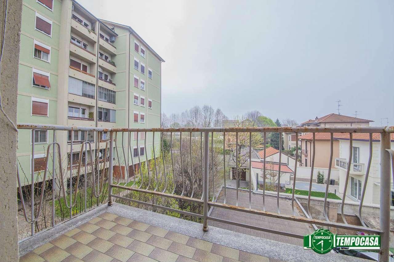 Appartamento in buone condizioni in vendita Rif. 8913191