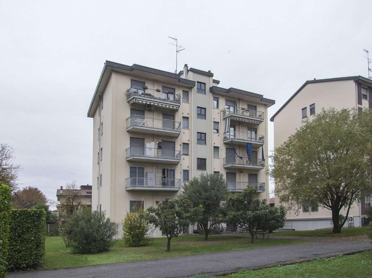 Appartamento in ottime condizioni in vendita Rif. 8913213