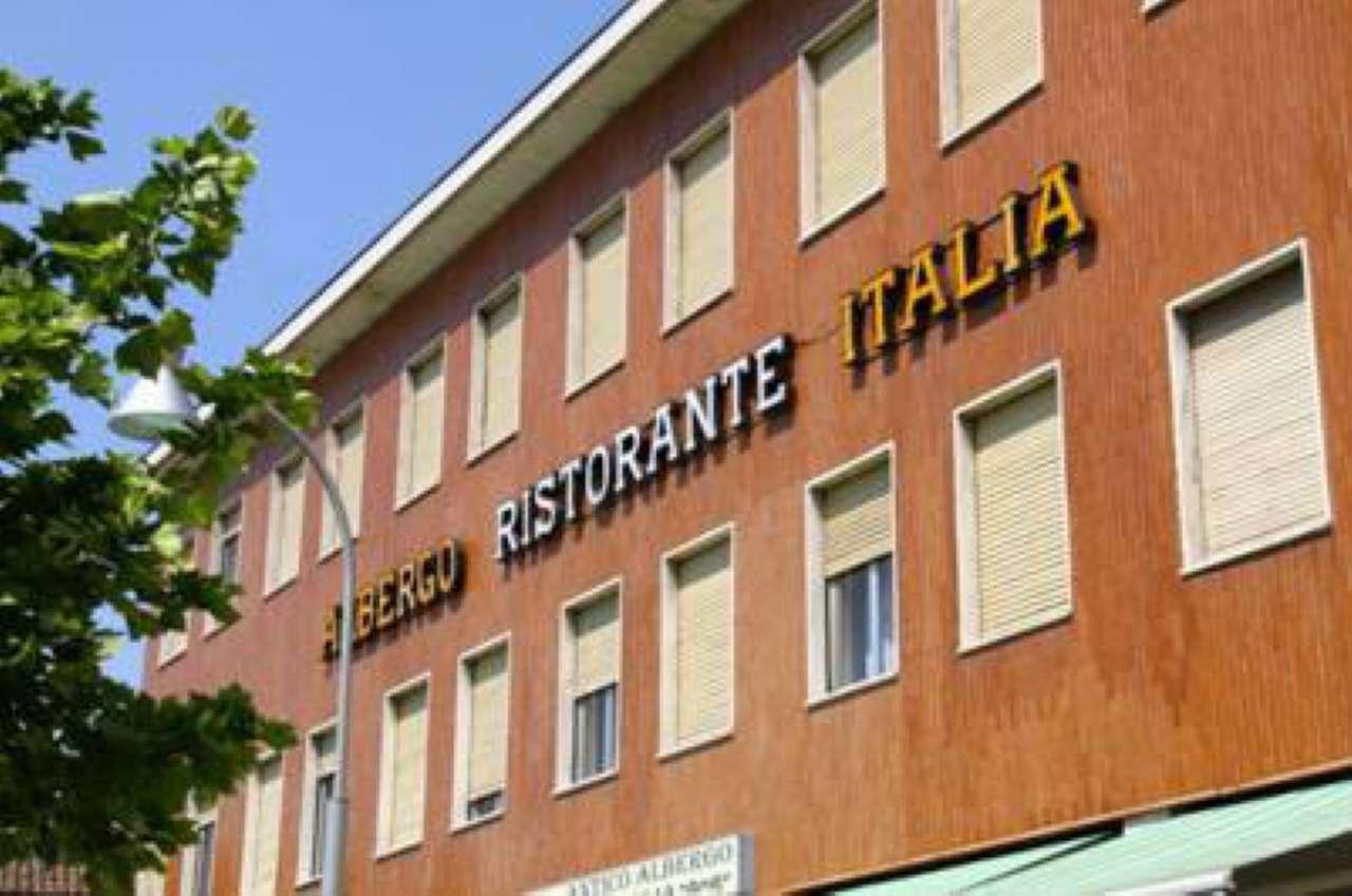 Albergo in vendita a Sannazzaro de' Burgondi, 9999 locali, prezzo € 700.000 | PortaleAgenzieImmobiliari.it