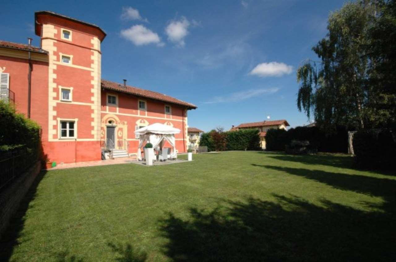 Appartamento in ottime condizioni parzialmente arredato in vendita Rif. 5280037