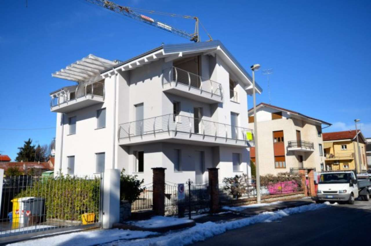 Foto 1 di Trilocale Via Vernante, Cuneo