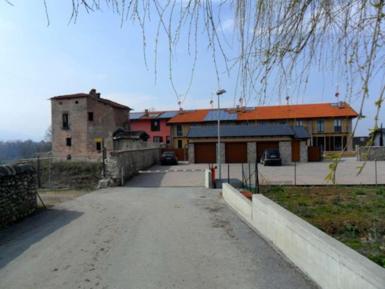 Foto 1 di Rustico / Casale Via Cascina Colombaro, Cuneo
